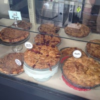 Photo taken at High 5 Pie by Josh K. on 7/3/2012