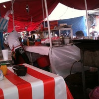 Photo taken at Mercado De Cumbres by Edlanoy Z. on 4/5/2012