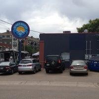6/3/2012 tarihinde Kevin B.ziyaretçi tarafından Denver Beer Co.'de çekilen fotoğraf