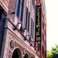 Снимок сделан в Second City Training Center пользователем Amy K. 6/13/2012
