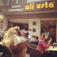 5/19/2012 tarihinde Zeynep T.ziyaretçi tarafından Meşhur Dondurmacı Ali Usta'de çekilen fotoğraf