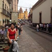 Foto tomada en Plaza de La Paz por Coco Á. el 7/26/2012