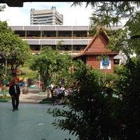 Photo taken at โรงเรียนศรีเอี่ยมอนุสรณ์ by NopKhung T. on 5/26/2012