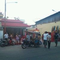 Photo taken at Vihara Buddha Dharma Gorontalo by Ozie O. on 2/4/2012
