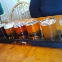 Photo taken at Moat Mountain Smoke House & Brewing Co. by Suzanne M. on 3/24/2012