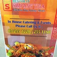 Photo taken at Restoran Simpang Tiga by RoseAnt M. on 4/8/2012