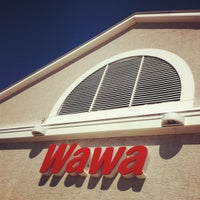 Photo taken at Wawa by Bonnie H. on 8/21/2012