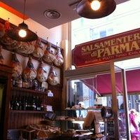Foto scattata a Salsamenteria di Parma da Belloi E. il 5/26/2012