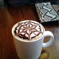 Снимок сделан в Кофе Хауз пользователем Artyom V. 8/27/2012