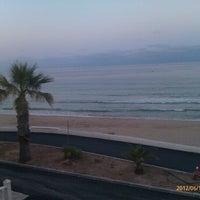 Foto tomada en Playa Mil Palmeras por Lorena el 6/15/2012