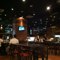 Photo taken at Coco Bambu Pizzaria & Cozinha by Luiz Felippe Z. on 6/7/2012