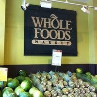 Das Foto wurde bei Whole Foods Market von Jesus C. am 6/30/2012 aufgenommen