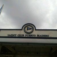 Foto tomada en Yacht Club Puerto Madero por Sol E. el 4/4/2012