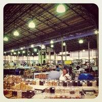 Foto tirada no(a) Mercado Municipal Kinjo Yamato por Octavio T. em 5/3/2012