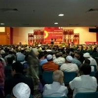 Photo taken at Cultural Activity Centre (CAC) by Zul E. on 6/28/2012