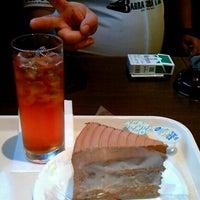 Photo taken at イタリアントマトカフェ 赤羽スズラン通り店 by れい L. on 7/22/2012