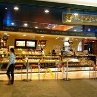 Photo taken at Confeitaria Romana by Fabricio M. on 2/16/2012