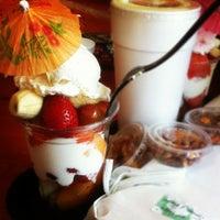 Das Foto wurde bei LottaFrutta von Jenn S. am 5/27/2012 aufgenommen