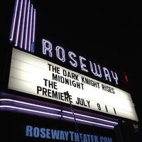 Снимок сделан в Roseway Theater пользователем Kyle Y. 7/20/2012