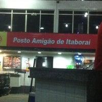 Photo taken at Posto Amigão de Itaboraî by Satimi on 7/22/2012