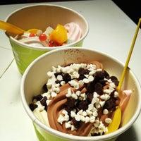 Photo prise au MoYo's Frozen Yogurt par Kevin le6/16/2012