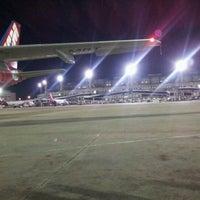 Photo taken at Gate 28 by Decio Henrique C. on 7/14/2012