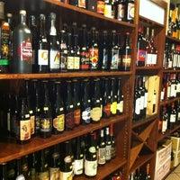 Foto tomada en El Carajo Tapas and Wine por Indra R. el 7/15/2012