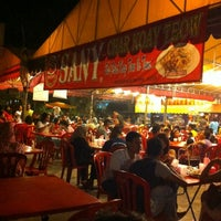 Photo taken at Sany Char Koay Teow by SHAHIR M. on 4/22/2012