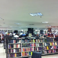 Photo taken at Livraria Leitura by Hernany N. on 2/11/2012