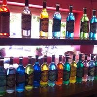 Foto tomada en Café Canela por Adrianna R. el 3/24/2012
