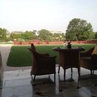 6/19/2012 tarihinde Henri B.ziyaretçi tarafından Rambagh Palace Hotel'de çekilen fotoğraf