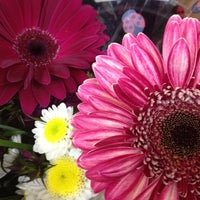รูปภาพถ่ายที่ Trader Joe's โดย Klari ❤(•͡.̮ ~͡) เมื่อ 5/6/2012