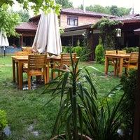 5/19/2012 tarihinde Varolziyaretçi tarafından Gülizar Bahçe'de çekilen fotoğraf