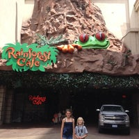 Photo taken at Rainforest Cafe by Niki T. on 6/11/2012