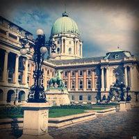 Foto tirada no(a) Castelo de Buda por Andrew em 6/7/2012