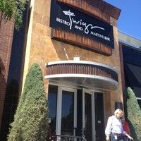 Das Foto wurde bei Twigs Bistro & Martini Bar von Britanne B. am 7/31/2012 aufgenommen