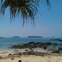 Photo taken at Bon Island Restaurant by Tony B. on 2/7/2012