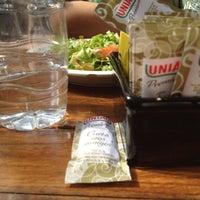 Foto diambil di Café Amigo oleh Larissa O. pada 8/1/2012