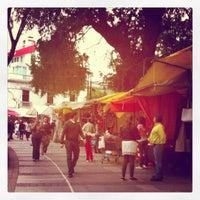 Photo taken at Bazar el Oro by Rito Rito C. on 2/25/2012