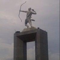 Photo taken at Patung Panahan Senayan by Prihadi R. on 3/18/2012