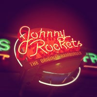 Photo taken at Johnny Rockets by Frank B. on 2/8/2012