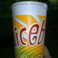 Photo taken at JuiceBlendz®/YoBlendz® by Orlando O. on 6/28/2012