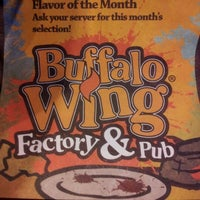 Photo prise au Buffalo Wing Factory par Carlo A. le4/27/2012