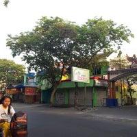 Photo taken at Pecel Bu Kus by eko k. on 10/12/2011