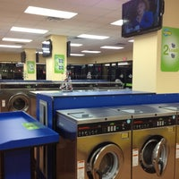 Photo taken at SpinZone Laundry North by Rexford on 1/13/2012