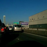 Photo taken at Yahoo! Sign by kumi m. on 11/1/2011