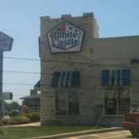 รูปภาพถ่ายที่ White Castle โดย Thilina R. เมื่อ 5/20/2012