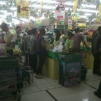 Photo taken at Giant Hypermarket by Andreas Budi on 7/20/2012