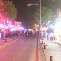 7/17/2012 tarihinde Onur T.ziyaretçi tarafından Gümbet Barlar Sokağı'de çekilen fotoğraf