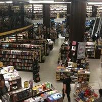 Das Foto wurde bei Saraiva MegaStore von Luisa C. am 5/28/2012 aufgenommen